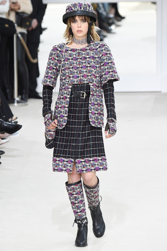 70199b978aa Paris Fashion Week  Chanel Fall 2016 Ready-To-Wear